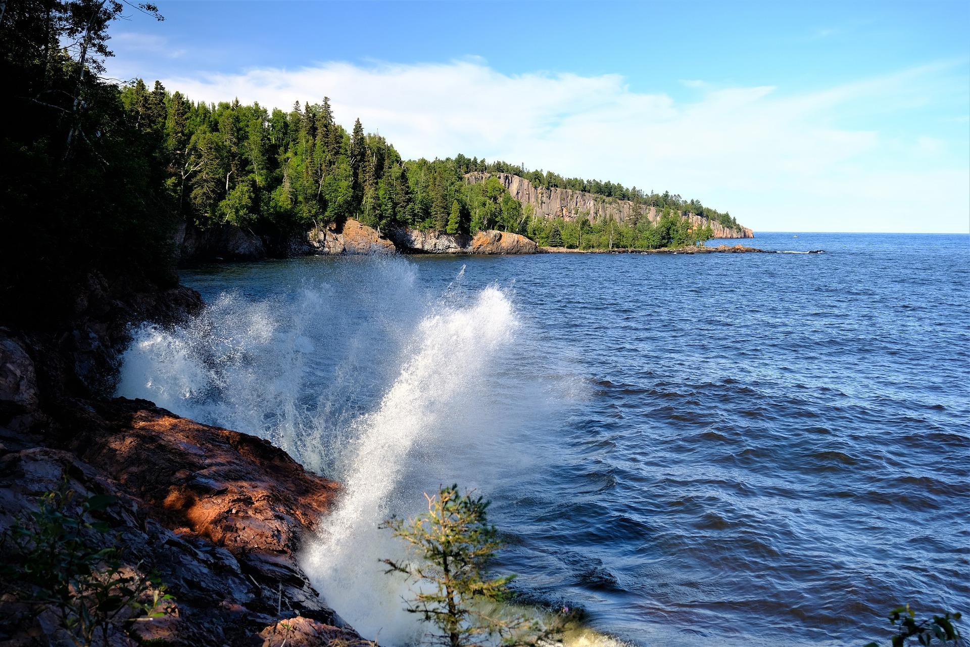 lake-5464100_1920