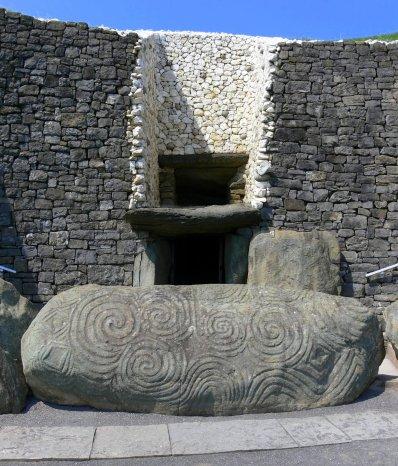 Newgrange,_Meath