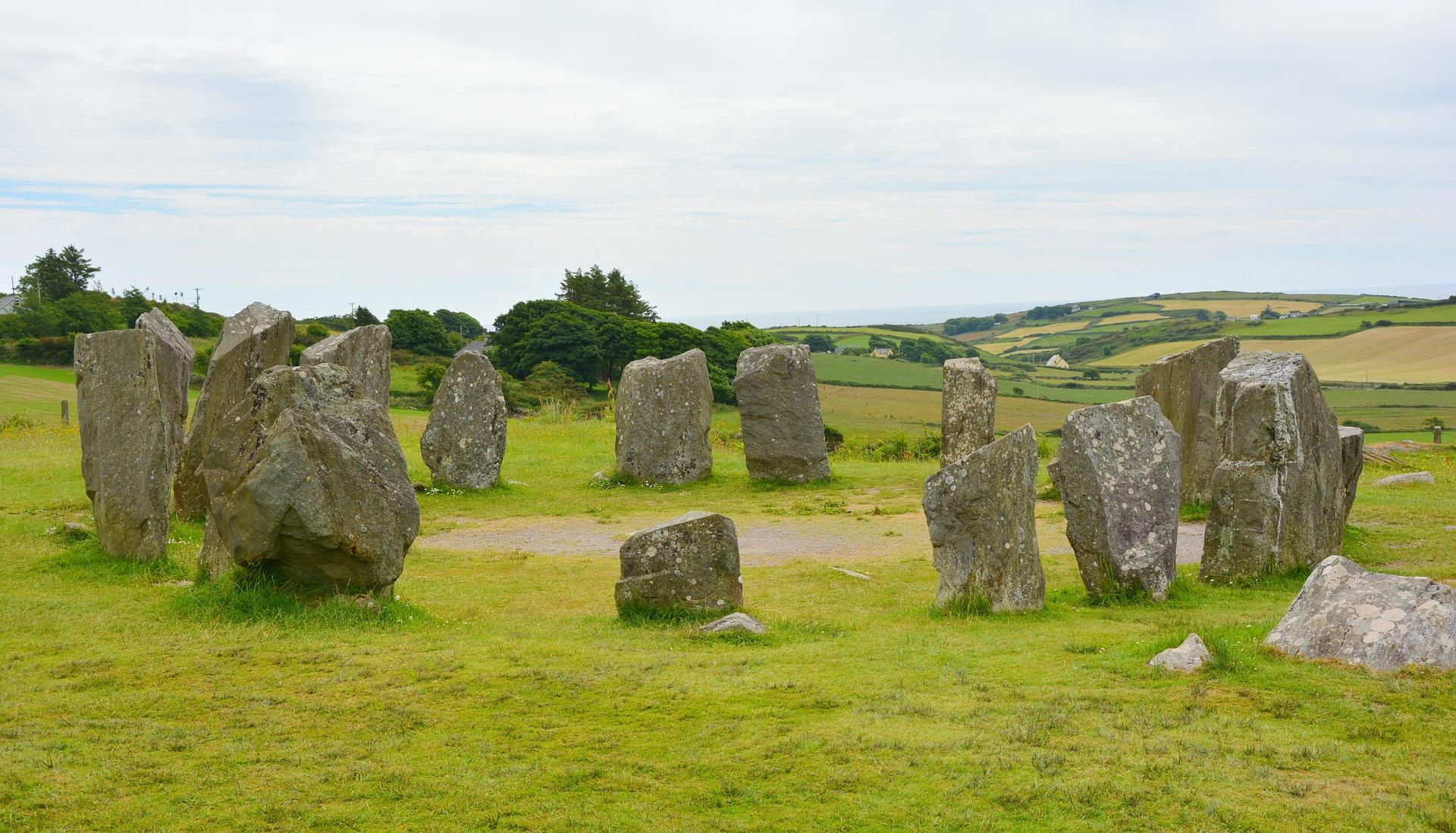 stone-circle-1477834_1920