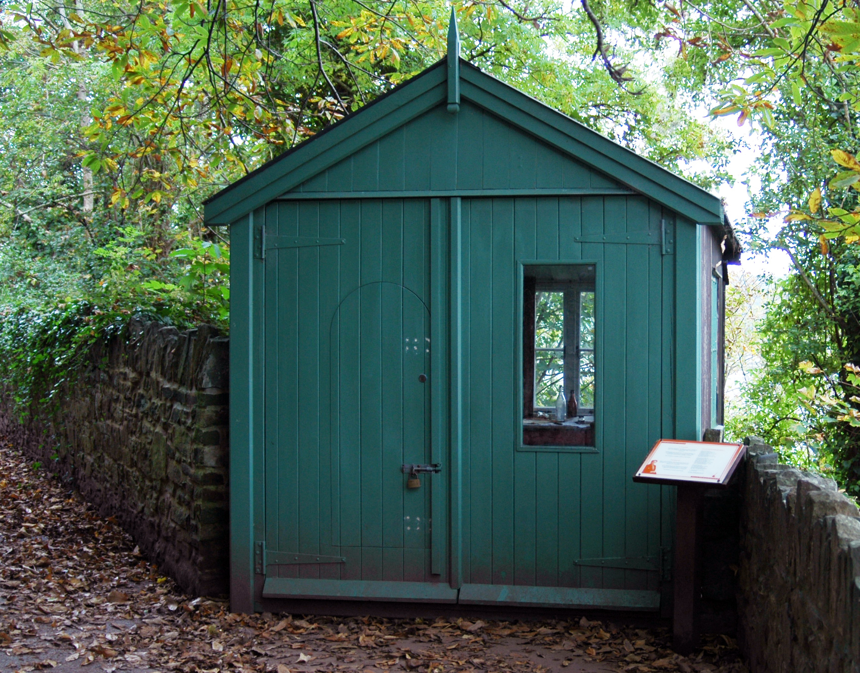 Wales_Laugharne_Dylans_writing_hut
