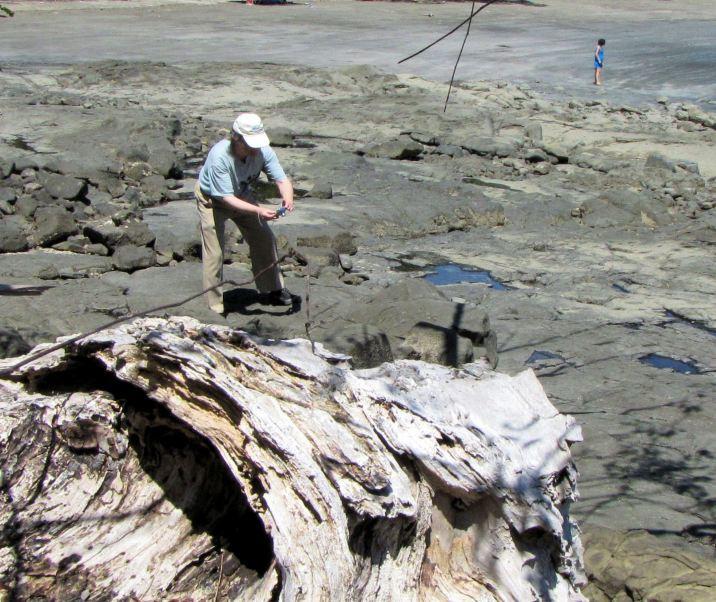 Cala Mia - on rocks near the beach
