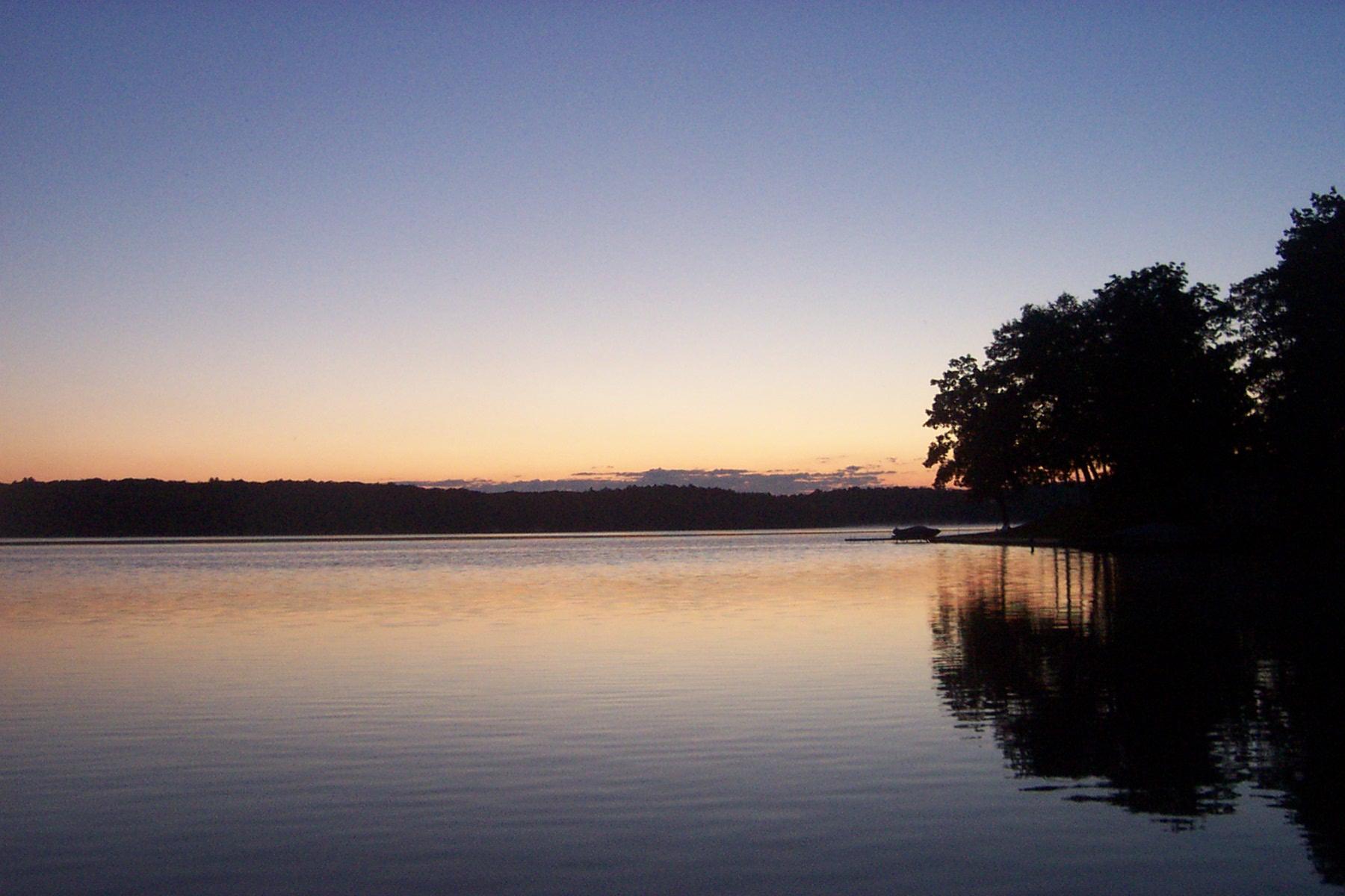 Hamlin_Lake,_July_2005_-_panoramio